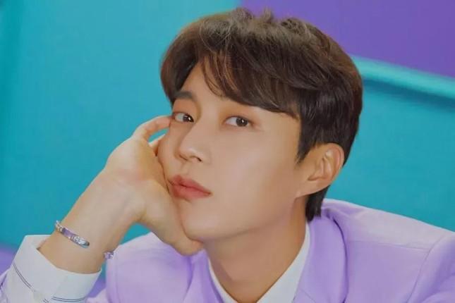 'Mỹ nam thực thần' Yoon Doo Joon năm nào khiến fangirls loạn nhịp đã quay trở lại ảnh 6
