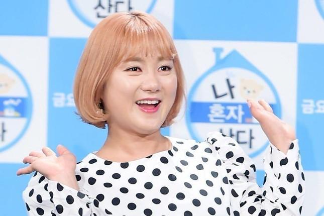 Hot: Park Na Rae quấy rối Kai (EXO) và đùa cợt thô thiển trên sóng truyền hình quốc gia  ảnh 4