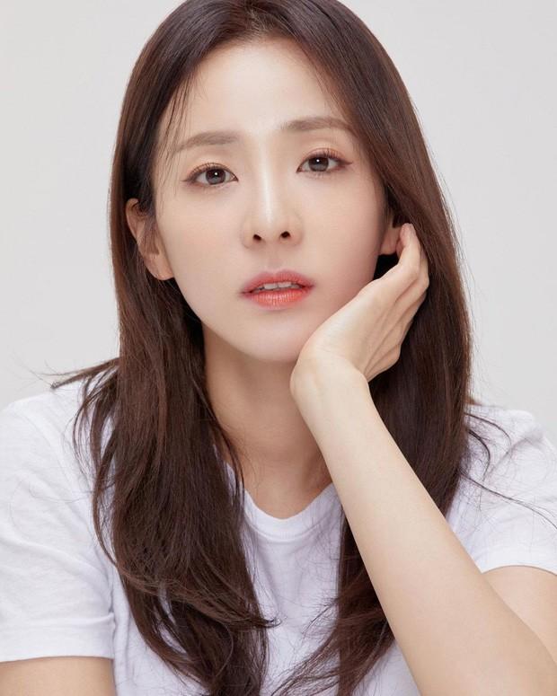 4 idol quyết thành sao vì gia đình quá khổ: Dara phải chụp ảnh nóng, Sunmi hối hận vì không trả lời lúc bố mất - Ảnh 10.