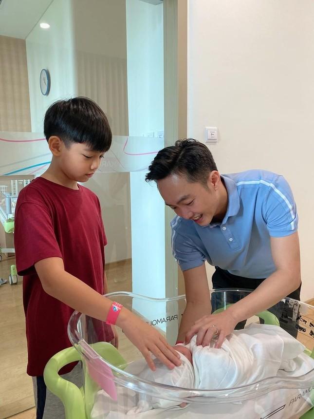 Subeo đón chào cô em gái cùng cha khác mẹ, cùng lúc Hồ Ngọc Hà khởi động dự án mới ảnh 5