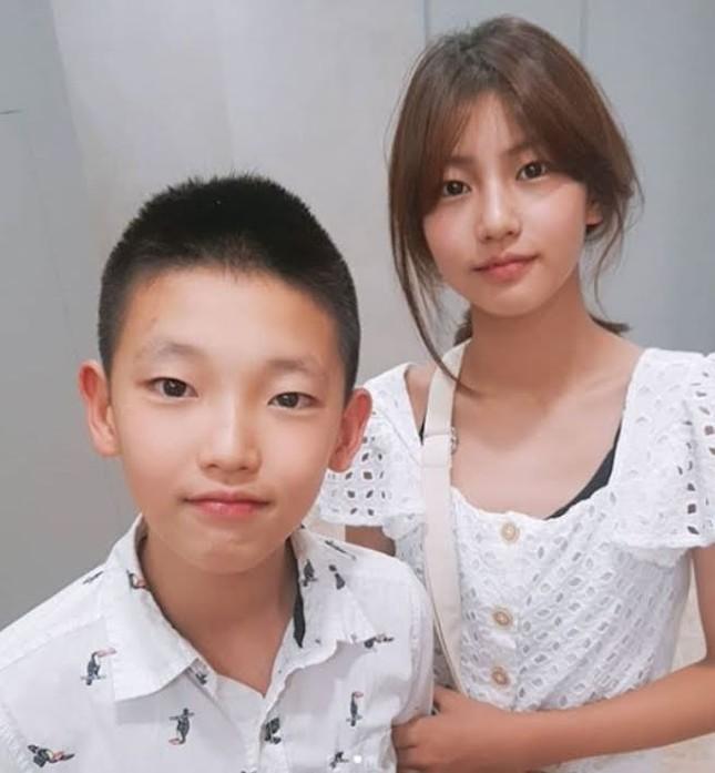 """Lộ diện hình ảnh con gái út 17 tuổi của Lý Liên Kiệt """"đốt mắt"""" netizen với body """"cực phẩm"""" ảnh 11"""