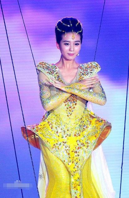 """Tại sao """"Nữ thần Kim Ưng"""" vẫn bị khán giả """"đặt lên bàn cân"""", dù lễ trao giải đã qua? ảnh 9"""