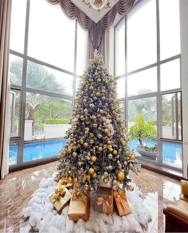 Sao Việt đón Noel 2020: Người hưởng niềm vui mới, kẻ chia tay đón Giáng sinh độc thân ảnh 2