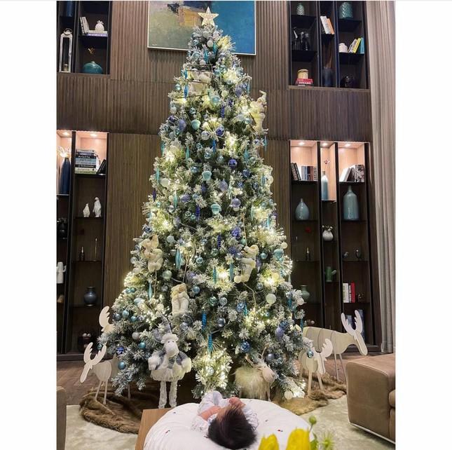 Sao Việt đón Noel 2020: Người hưởng niềm vui mới, kẻ chia tay đón Giáng sinh độc thân ảnh 8