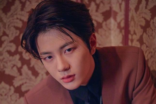 """Những """"siêu mỹ nam"""" thế hệ mới """"hot"""" nhất của điện ảnh xứ Hàn năm 2020 ảnh 10"""