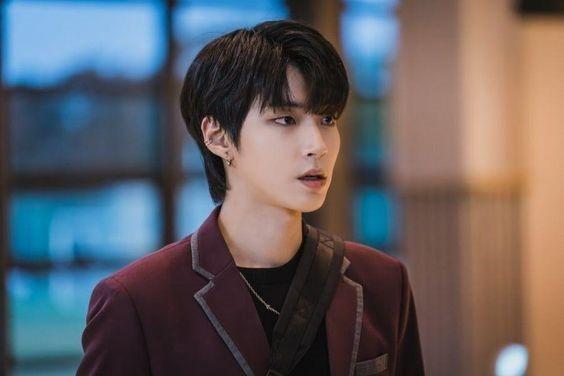 """Những """"siêu mỹ nam"""" thế hệ mới """"hot"""" nhất của điện ảnh xứ Hàn năm 2020 ảnh 6"""