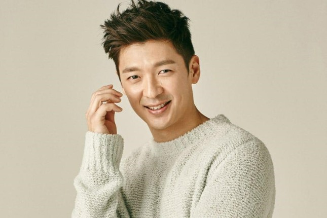 """Han Seo Hee lập kênh YouTube cá nhân đe dọa """"bóc phốt cả K-biz""""; """"Hoàng tử ballad"""" Tim kết hôn ảnh 10"""