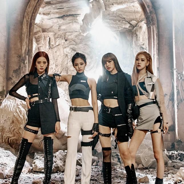 Black Pink vượt mặt BTS chỉ nhờ 1 chiến thuật đơn giản; Yuna (cựu thành viên của AOA) thành cô giáo dạy yoga ảnh 5