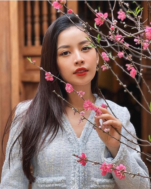 """""""Sao"""" Việt diện đồ và trang điểm cho dịp Tết Tân Sửu 2021: Áo dài tay phồng và bộ suit lên ngôi ảnh 18"""