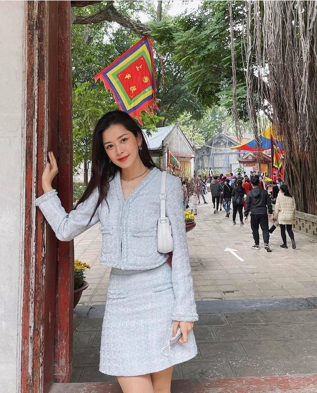"""""""Sao"""" Việt diện đồ và trang điểm cho dịp Tết Tân Sửu 2021: Áo dài tay phồng và bộ suit lên ngôi ảnh 15"""