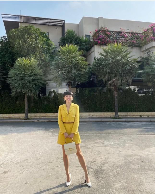 """""""Sao"""" Việt diện đồ và trang điểm cho dịp Tết Tân Sửu 2021: Áo dài tay phồng và bộ suit lên ngôi ảnh 14"""