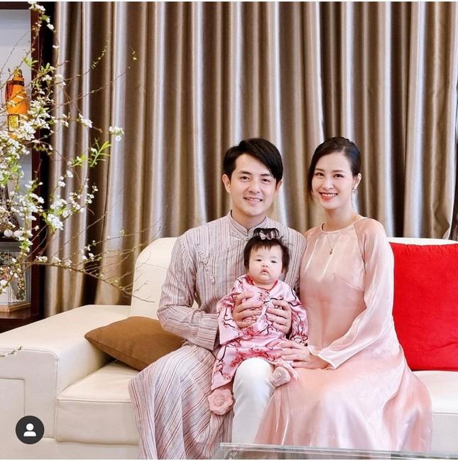 """""""Sao"""" Việt diện đồ và trang điểm cho dịp Tết Tân Sửu 2021: Áo dài tay phồng và bộ suit lên ngôi ảnh 11"""
