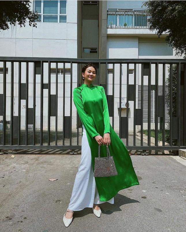 """""""Sao"""" Việt diện đồ và trang điểm cho dịp Tết Tân Sửu 2021: Áo dài tay phồng và bộ suit lên ngôi ảnh 10"""