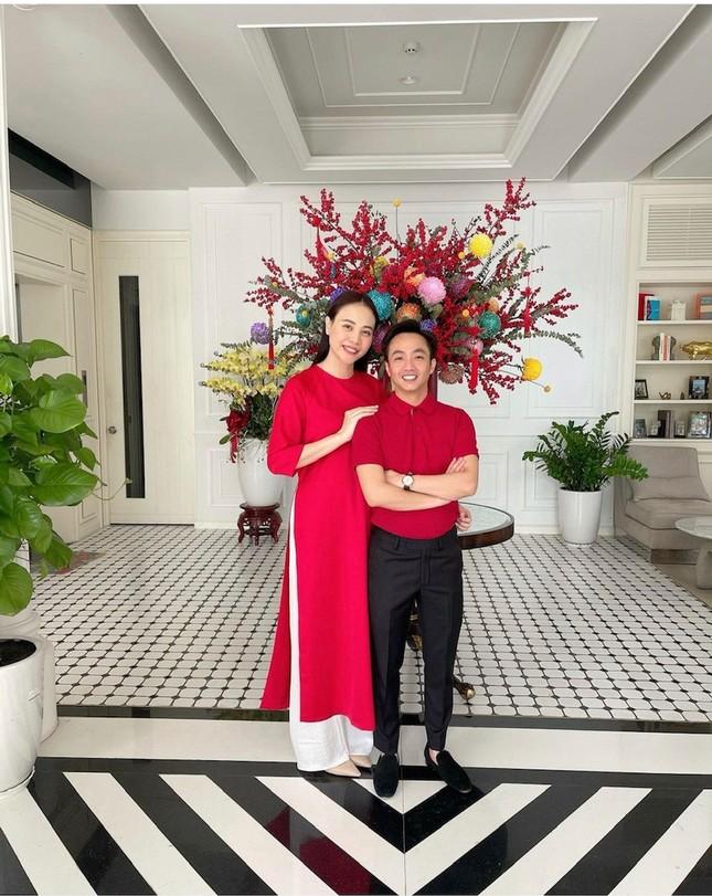 """""""Sao"""" Việt diện đồ và trang điểm cho dịp Tết Tân Sửu 2021: Áo dài tay phồng và bộ suit lên ngôi ảnh 12"""