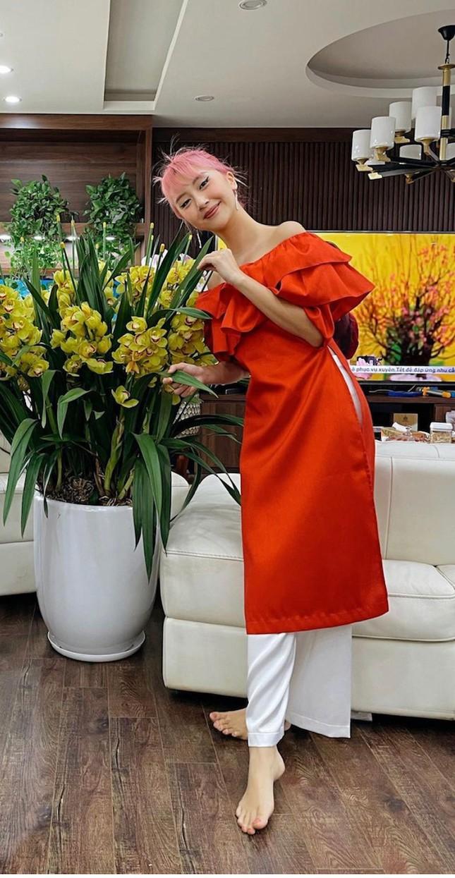 """""""Sao"""" Việt diện đồ và trang điểm cho dịp Tết Tân Sửu 2021: Áo dài tay phồng và bộ suit lên ngôi ảnh 8"""