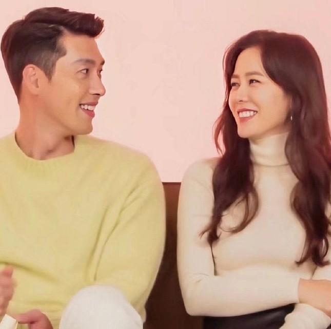 """Son Ye Jin lần đầu tiên để lộ """"lý do"""" tại sao yêu Kim Hyun Bin, netizens lại được phen dậy sóng ảnh 10"""