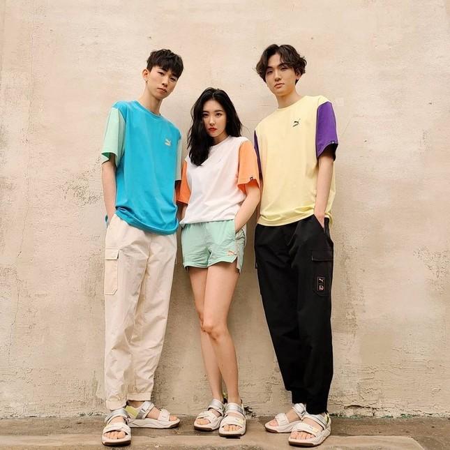 """Jisoo (Black Pink), Sunmi, Dương Mịch, Tống Uy Long, Tiêu Chiến hóa """"nam thần, tiên nữ"""" là đều nhờ chung điểm này! ảnh 6"""