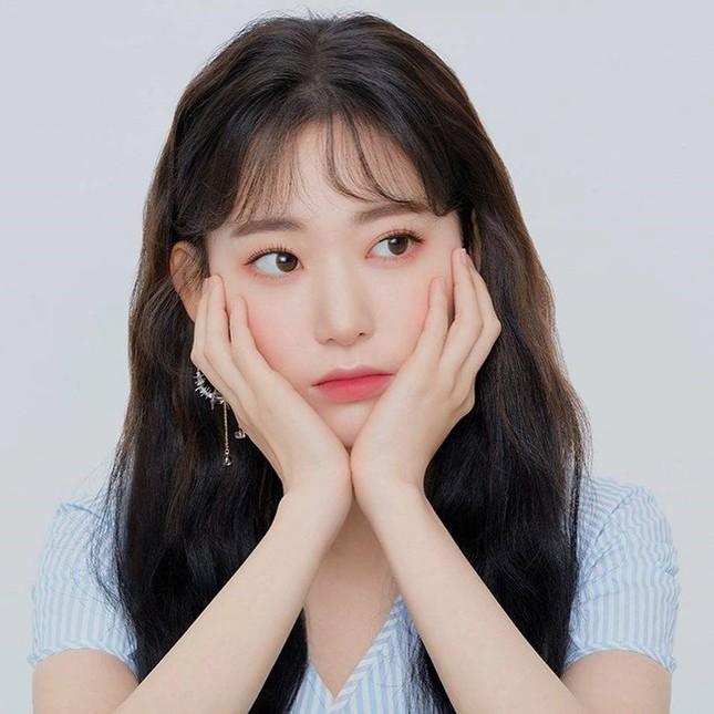 """""""Phanh phui"""" chuyện bên lề việc """"nữ thực tập sinh"""" Miyawaki Sakura về chung nhà với BTS ảnh 5"""