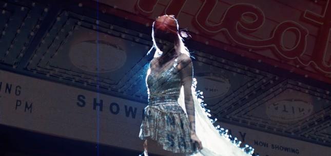 Rosé lần đầu thổ lộ tình cảm bằng lời với chiếc váy gần 300 triệu đồng của NTK Công Trí  ảnh 6