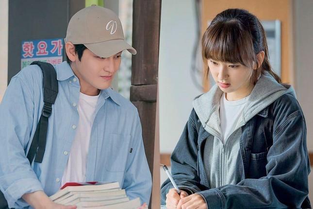 """Hình ảnh mới nhất của Kim Bum và Ryu Hye Young khiến đông đảo trái tim netizens """"chao đảo"""" ảnh 2"""