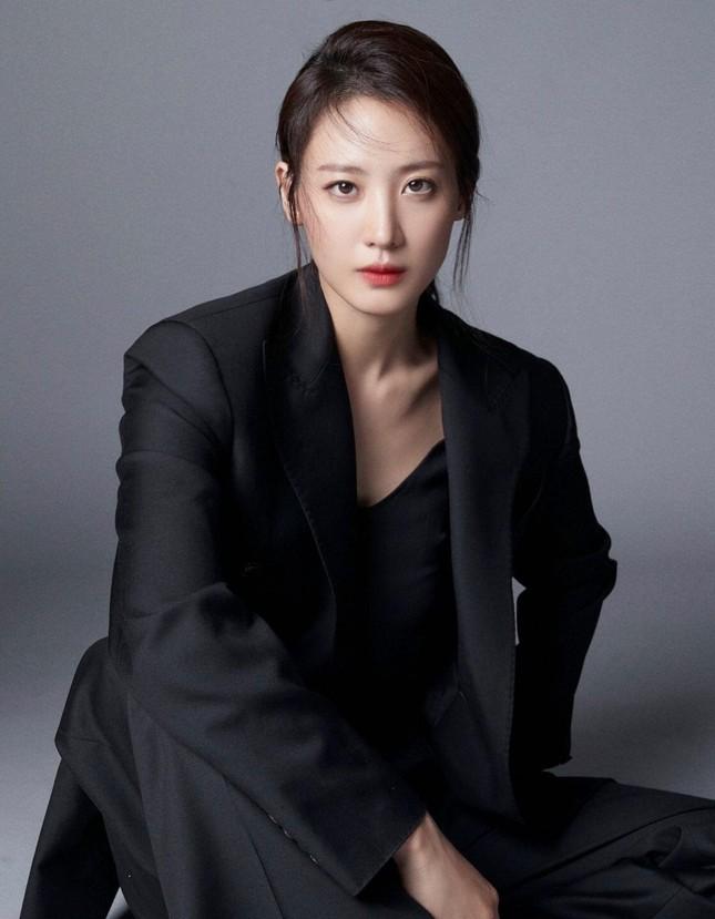 """""""Kiều nữ"""" Hàn Quốc đầu tiên từng góp mặt trong Avengers về chung """"nhà"""" với Black Pink ảnh 3"""