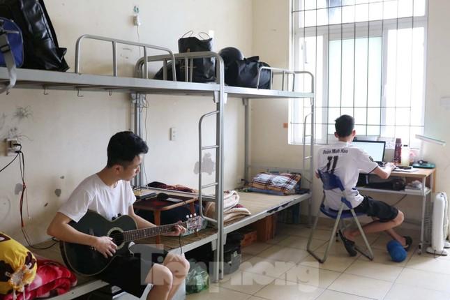 Sinh viên ở ký túc xá Mễ Trì trong những ngày 'cách ly toàn xã hội' ảnh 10