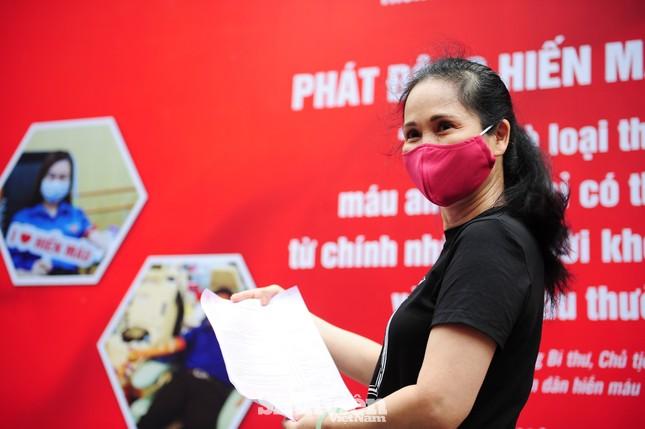 Các nghệ sĩ Lan Hương, Tự Long, Xuân Bắc cùng tham gia hiến máu mùa COVID-19 ảnh 2