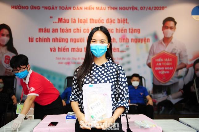 Các nghệ sĩ Lan Hương, Tự Long, Xuân Bắc cùng tham gia hiến máu mùa COVID-19 ảnh 3