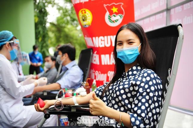 Các nghệ sĩ Lan Hương, Tự Long, Xuân Bắc cùng tham gia hiến máu mùa COVID-19 ảnh 4