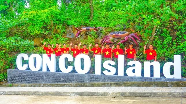 Lễ chào cờ đặc biệt nơi đảo tiền tiêu của Tổ quốc ảnh 5