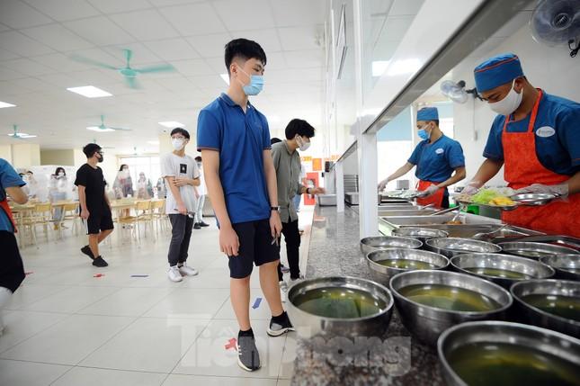 Bữa ăn bán trú của học sinh 'mùa Covid -19' ảnh 6