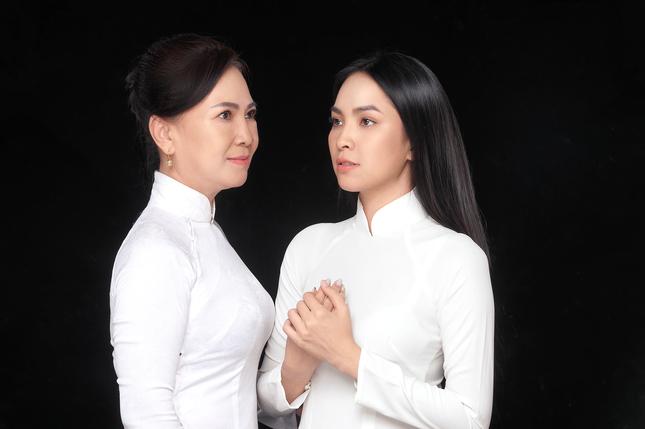 """Miss Ngôi sao Kim Phượng hạnh phúc sánh đôi cùng """"chị đại"""" trong Ngày của Mẹ ảnh 3"""