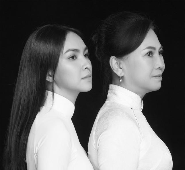 """Miss Ngôi sao Kim Phượng hạnh phúc sánh đôi cùng """"chị đại"""" trong Ngày của Mẹ ảnh 2"""