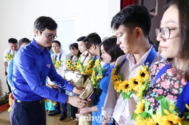 Hà Nội tuyên dương 90 đảng viên trẻ làm theo lời Bác ảnh 5