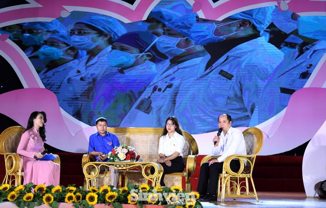 Hà Nội tuyên dương 90 đảng viên trẻ làm theo lời Bác ảnh 4