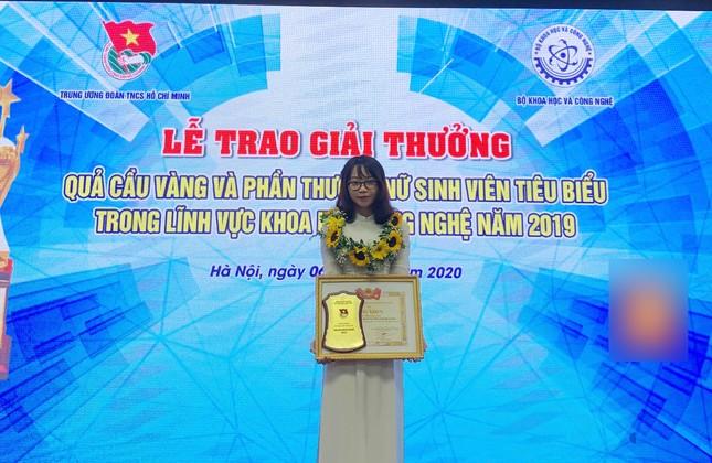 Nữ Phó Chủ tịch Hội Sinh viên đam mê nghiên cứu khoa học ảnh 1