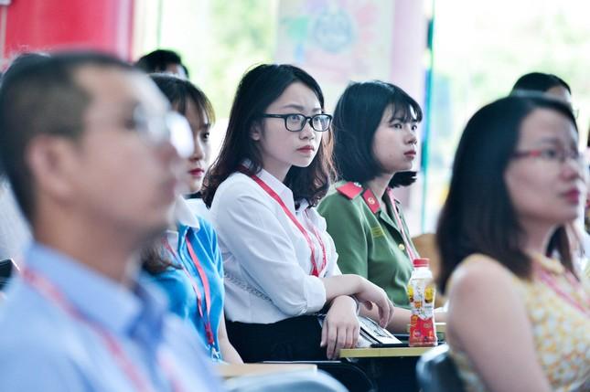 Nữ Phó Chủ tịch Hội Sinh viên đam mê nghiên cứu khoa học ảnh 4
