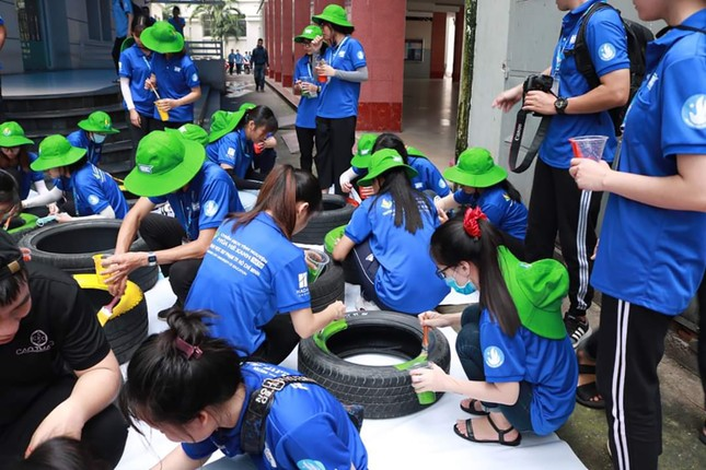 Màu áo xanh sinh viên tình nguyện toả đi muôn nơi ảnh 5