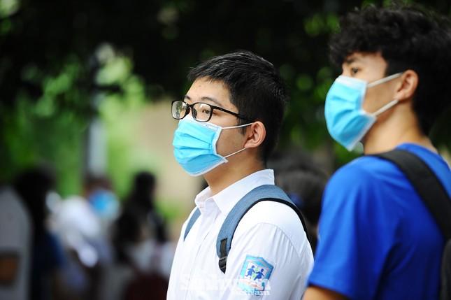 Kỷ luật sinh viên nếu không trung thực trong khai báo y tế ảnh 1