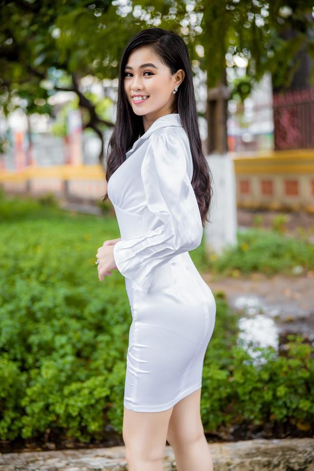 18 tuổi Hoa khôi Sinh viên từng bán trà sữa và đi dạy thêm ảnh 4
