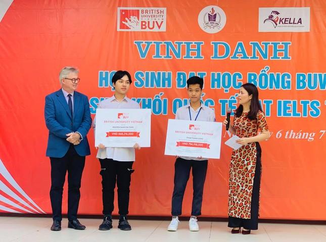 Học bổng 1 tỷ đồng cho học sinh có hoàn cảnh khó khăn tại ĐH Anh Quốc Việt Nam ảnh 1