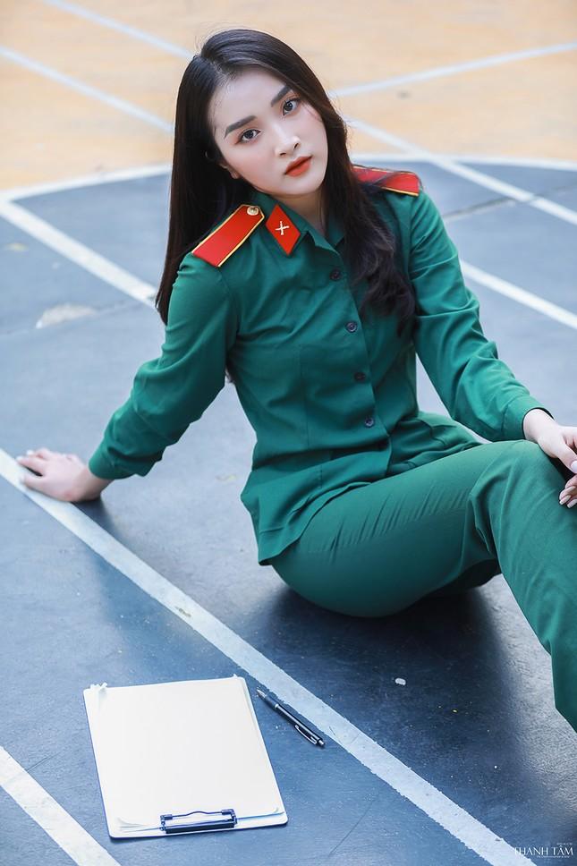 Nữ sinh viên trường ĐH Văn hóa Nghệ thuật Quân đội có gương mặt đẹp như minh tinh ảnh 3