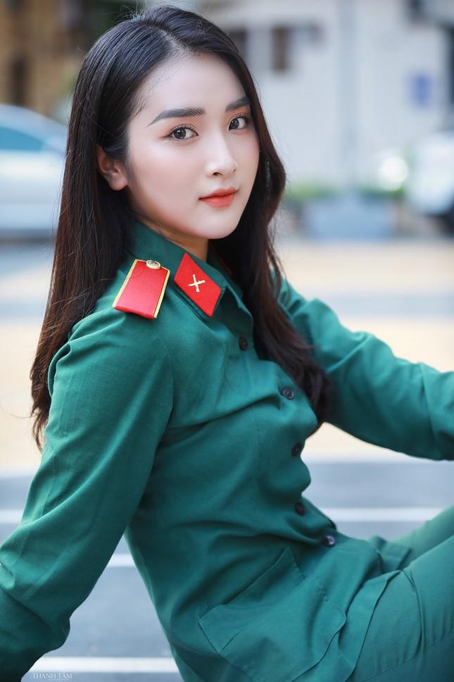 Nữ sinh viên trường ĐH Văn hóa Nghệ thuật Quân đội có gương mặt đẹp như minh tinh ảnh 6