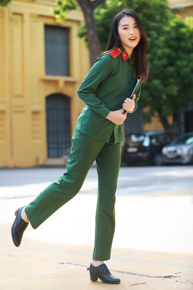 Nữ sinh viên trường ĐH Văn hóa Nghệ thuật Quân đội có gương mặt đẹp như minh tinh ảnh 8