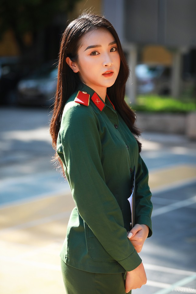 Nữ sinh viên trường ĐH Văn hóa Nghệ thuật Quân đội có gương mặt đẹp như minh tinh ảnh 7
