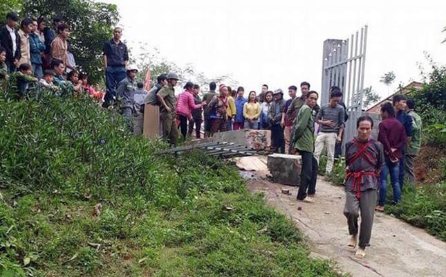 Bộ GD - ĐT gửi lời chia buồn tới gia đình các em học sinh bị nạn tại Lào Cai ảnh 1