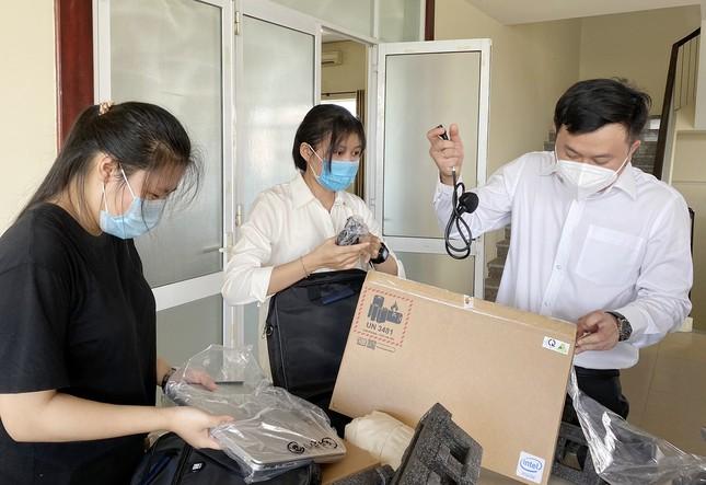 Trao 70 máy tính đến sinh viên có hoàn cảnh khó khăn tại Đà Nẵng và Quảng Nam ảnh 2