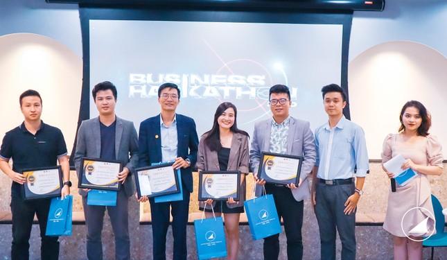 Tìm ra chủ nhân giải thưởng lớn cuộc thi Hackathon kinh doanh đầu tiên tại Việt Nam ảnh 3