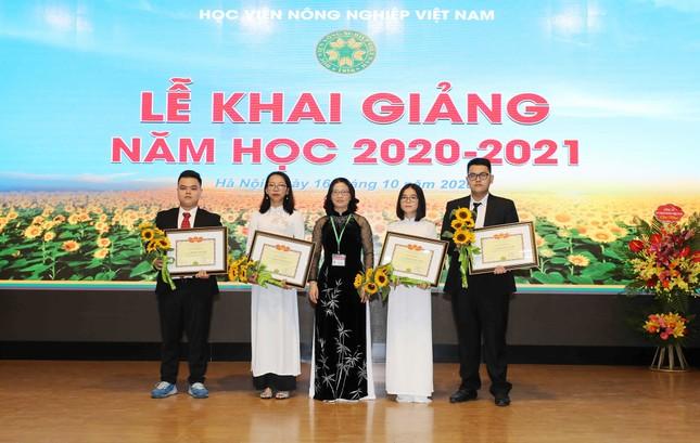 Thủ khoa, Á khoa Học viện Nông nghiệp Việt Nam nhận học bổng du học toàn phần ảnh 2