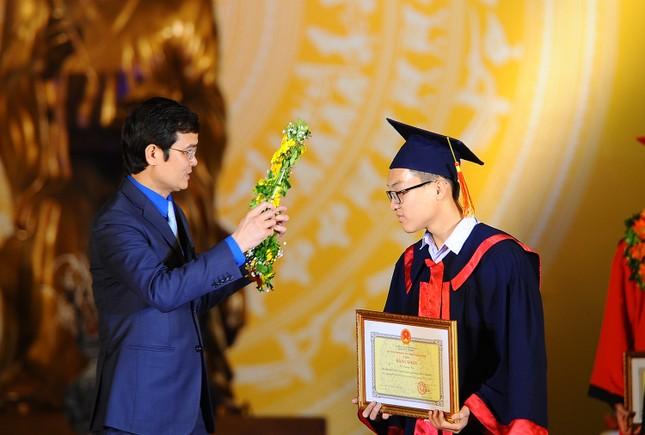 Khen thưởng 1,3 tỷ đồng cho học sinh, sinh viên Hải Phòng ảnh 2